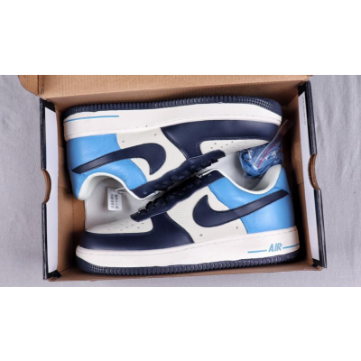 Nike Air Force 1'07 LV8 SHOES